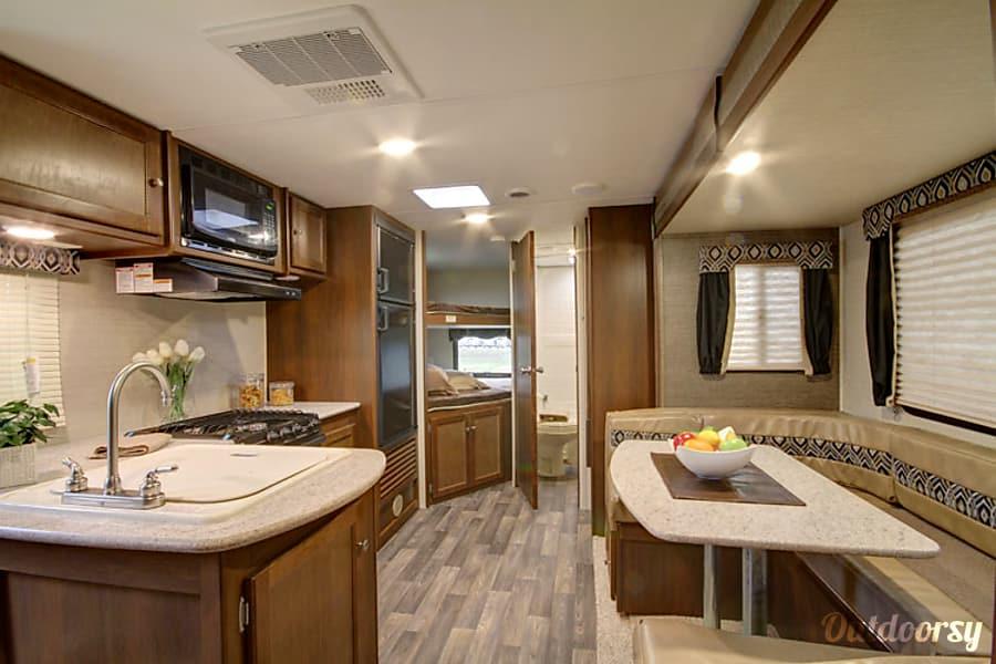 interior 2017 Keystone Ultralight Bloomington, MN