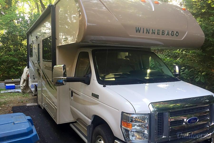 exterior 2016 Winnebago Minnie Winnie Virginia Beach, VA
