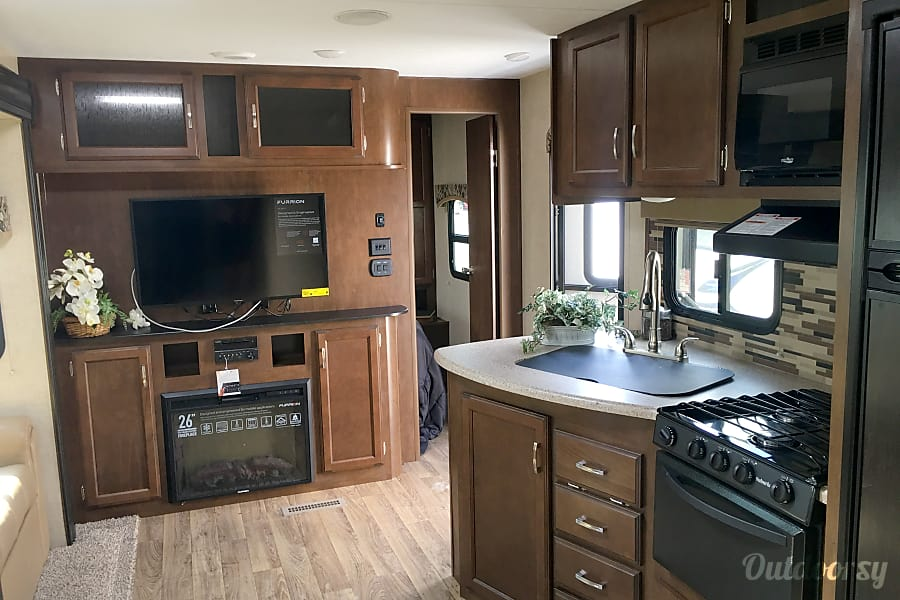 interior 2018 Venture Rv Sporttrek West Grove, PA