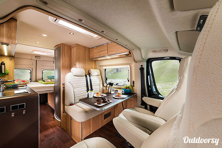 interior 2018 Hymer Aktiv Pleasant Hill, CA