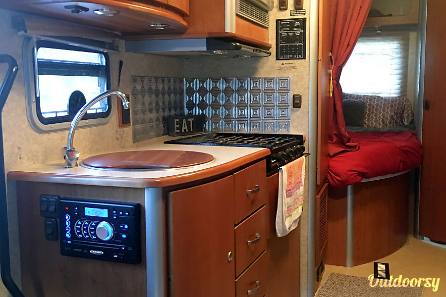 interior 2009 Itasca Navion 24ft (Class C) with Mercedes-Benz V6 Diesel Engine Reno, NV