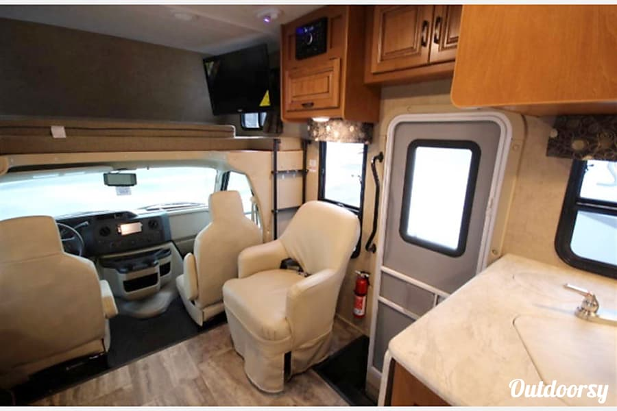 2017 Sunseeker 3100 SS Firestick HUGE KITCHEN! call or text 443-462-6178 Taneytown, MD