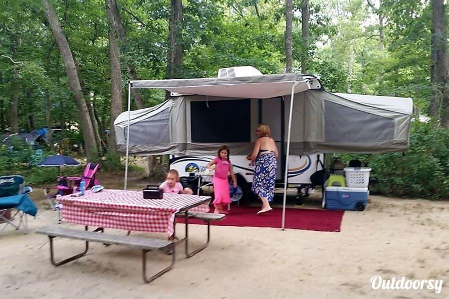 Pop Up Camper Gasgrill : 2014 viking 2107 epic pop up camper trailer rental in delran nj