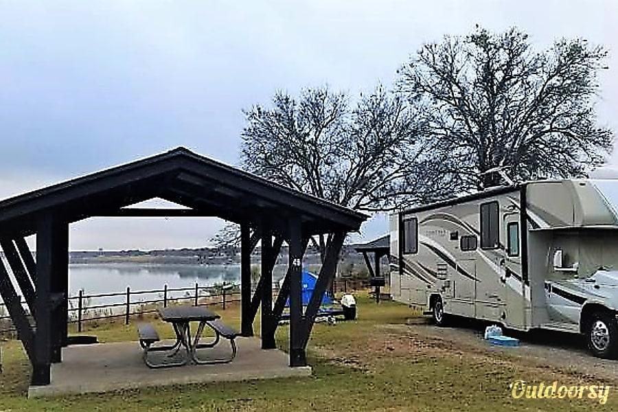 2016 Coachmen Leprechaun Magnolia, TX