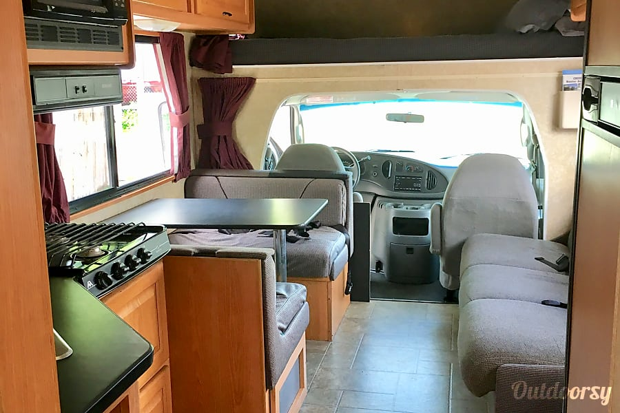 interior Thor Motor Coach Four Winds Majestic Salt Lake City, UT