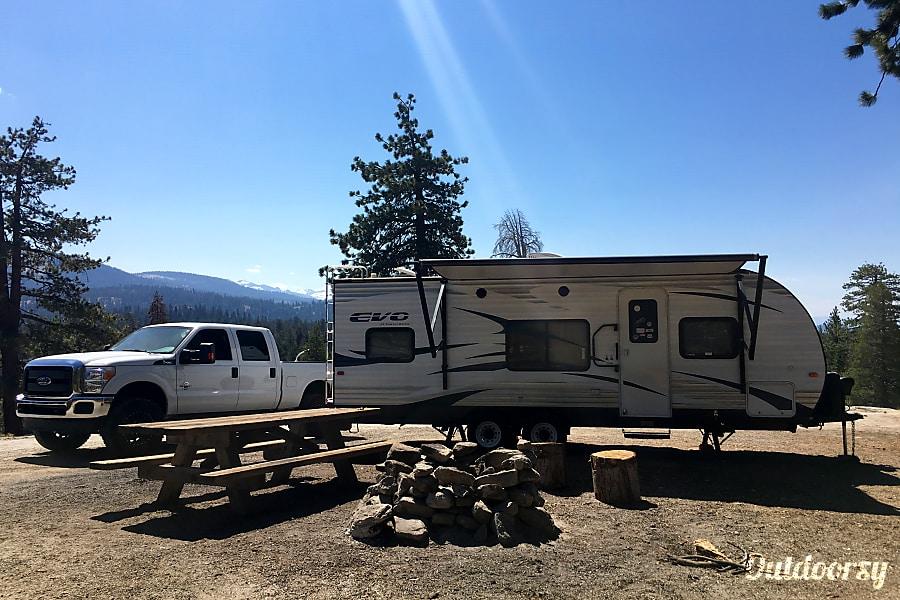 exterior 2016 Forest River Evo Visalia, CA