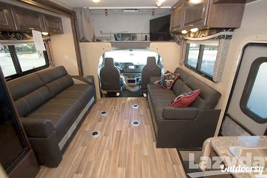 2018 Thor Motor Coach Outlaw Motor Home Class C Rental In