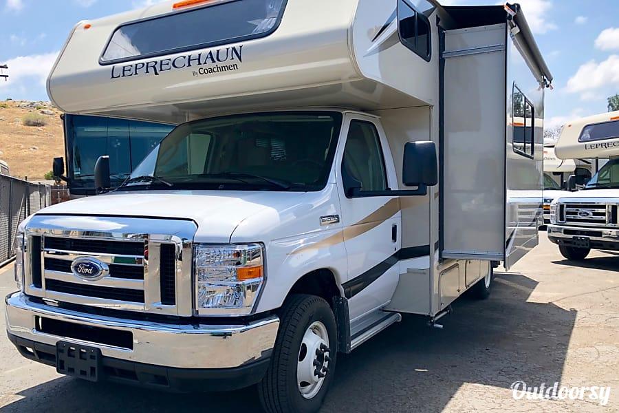 exterior Coachmen 22QB-2 San Diego, CA
