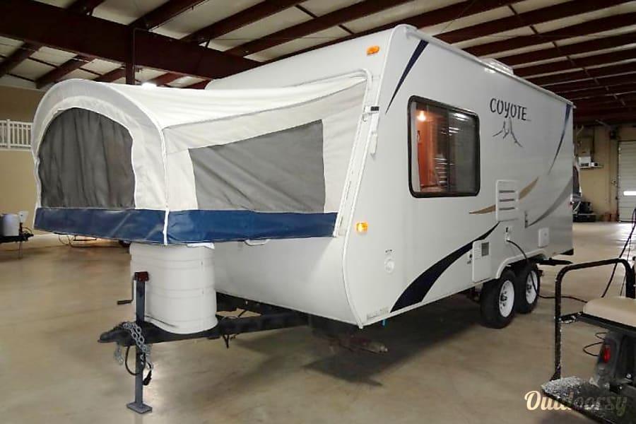 20' Coyote Hybrid Camper Saskatoon, SK