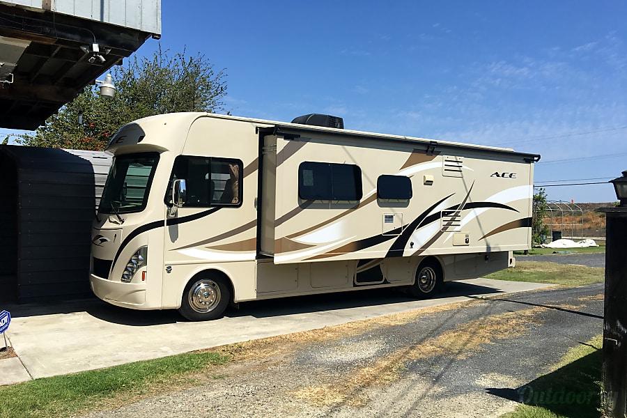 exterior 2015 Thor Motor Coach A.C.E 29.3 Triton/ V10 Bethel Island, CA