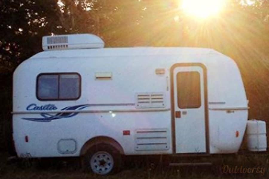 exterior 2003 Casita Spirit Deluxe- Tiny house on wheels! Goliad, TX