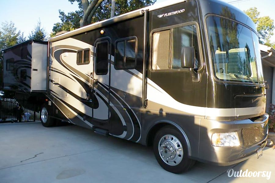 exterior 2008 Fleetwood Terra Orange, CA