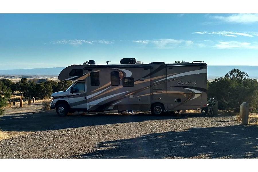2016 Thor Motor Coach Four Winds Gypsum, CO
