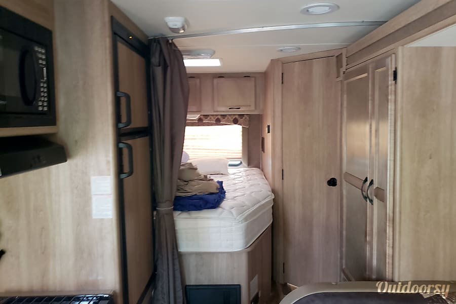 interior 2015 Coachmen Freelander Bennington, IN