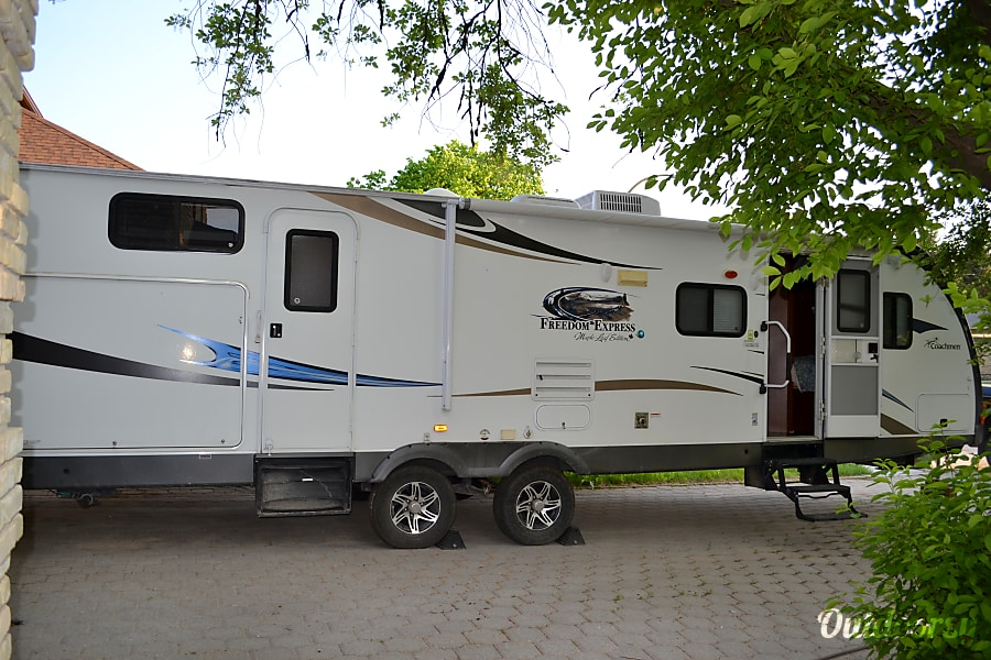 2013 Coachmen Freedom Express Winnipeg, MB