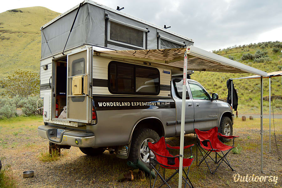 Rocinante: Toyota Tundra 4x4 + Four Wheel Camper Pop-up Portland, OR