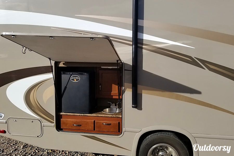 exterior 2016 Thor Motor Coach Four Winds Gypsum, CO