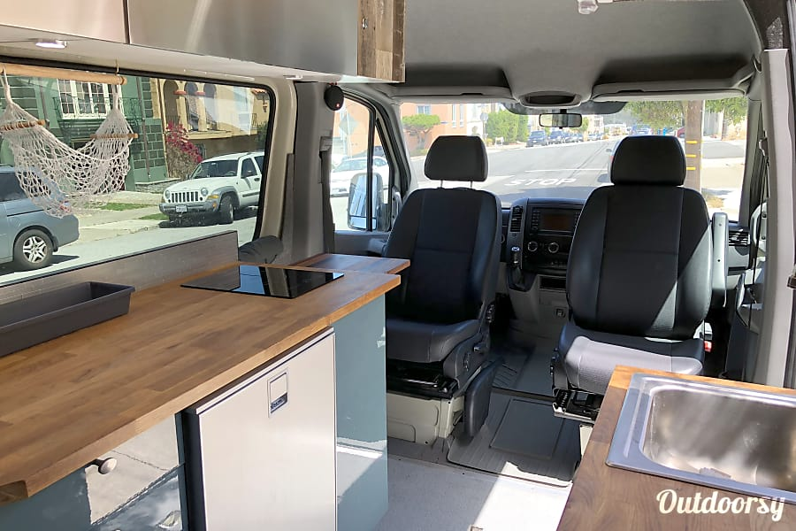 4x4 2017 Mercedes-Benz Sprinter 144 San Francisco, CA