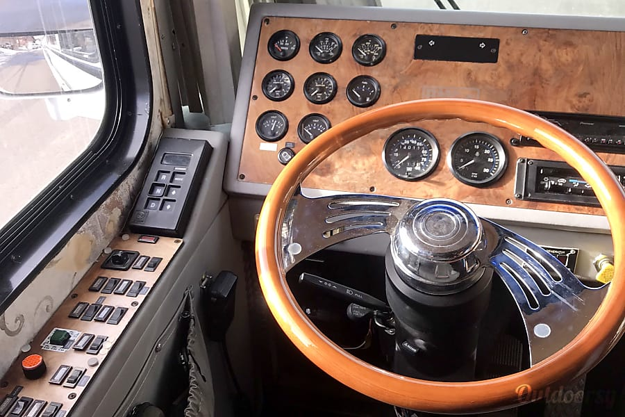 Bluebird BMC class A, 37' diesel power Golden, CO