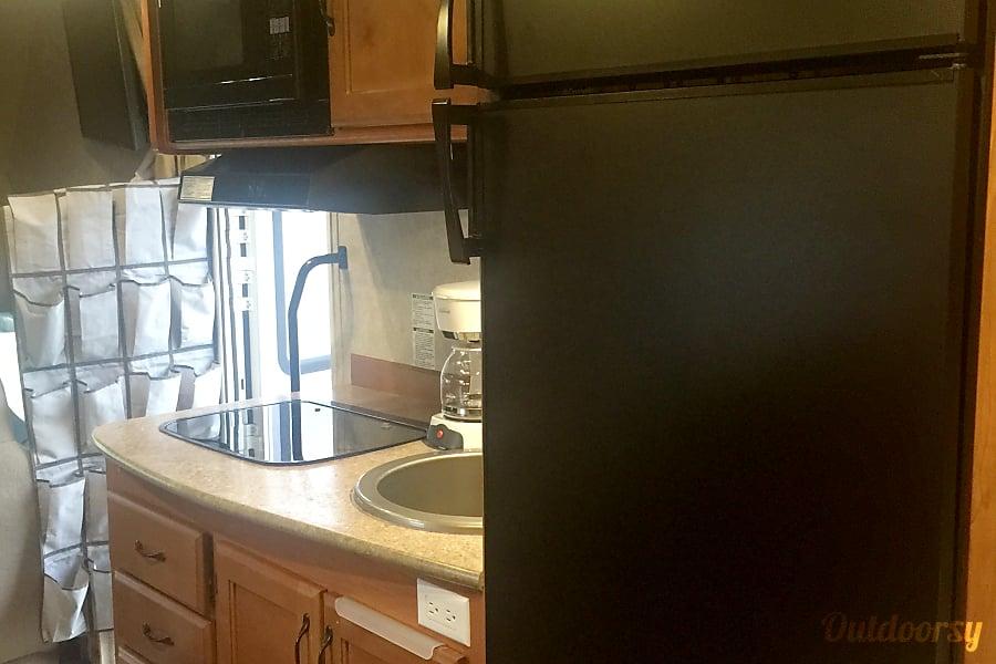 interior 2015 Adventurer Lp Adventurer Spruce Grove, AB