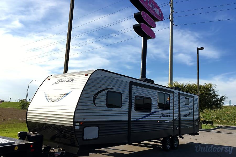 exterior 2017 37 ft Mobile Hotel Suite San Antonio, TX