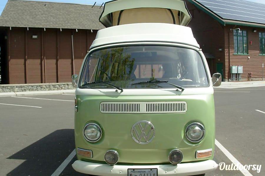 """1972 Volkswagen Westfalia """"Sweet Pea"""""""
