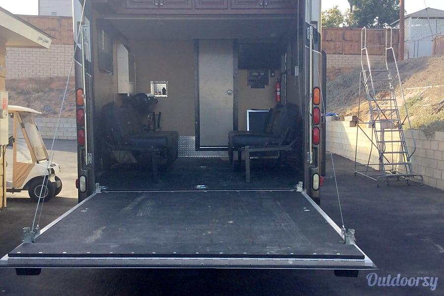 interior 2016 Thor Motor Coach Outlaw National CityNationa, CA