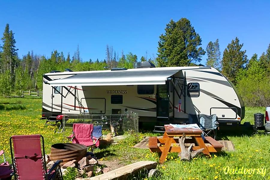 interior 2015 Heartland Wilderness Wellington, CO