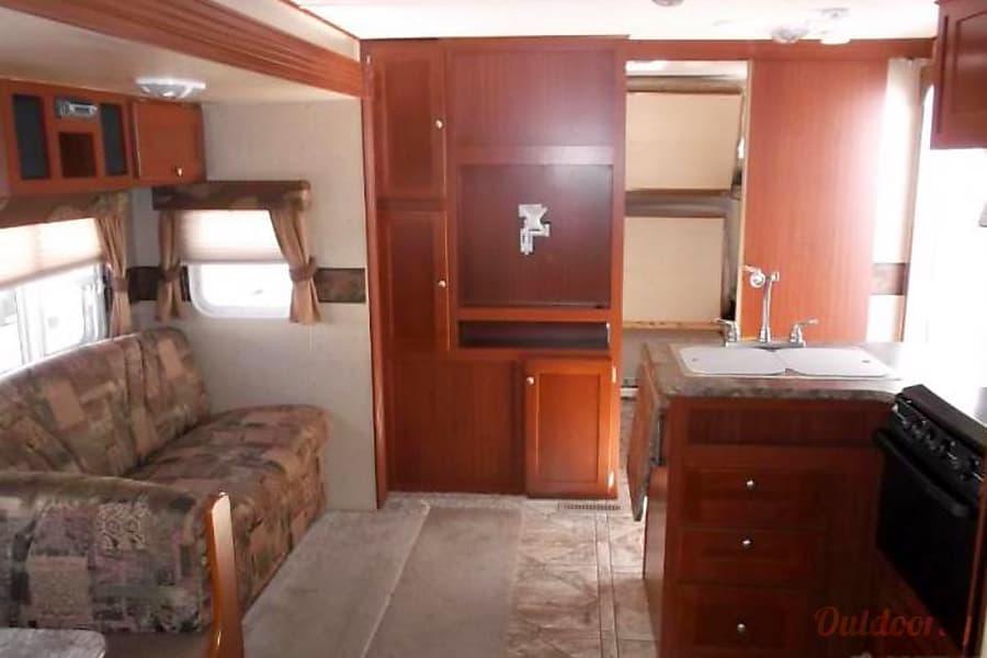 interior 2010 Crossroads Zinger Griffin, SK