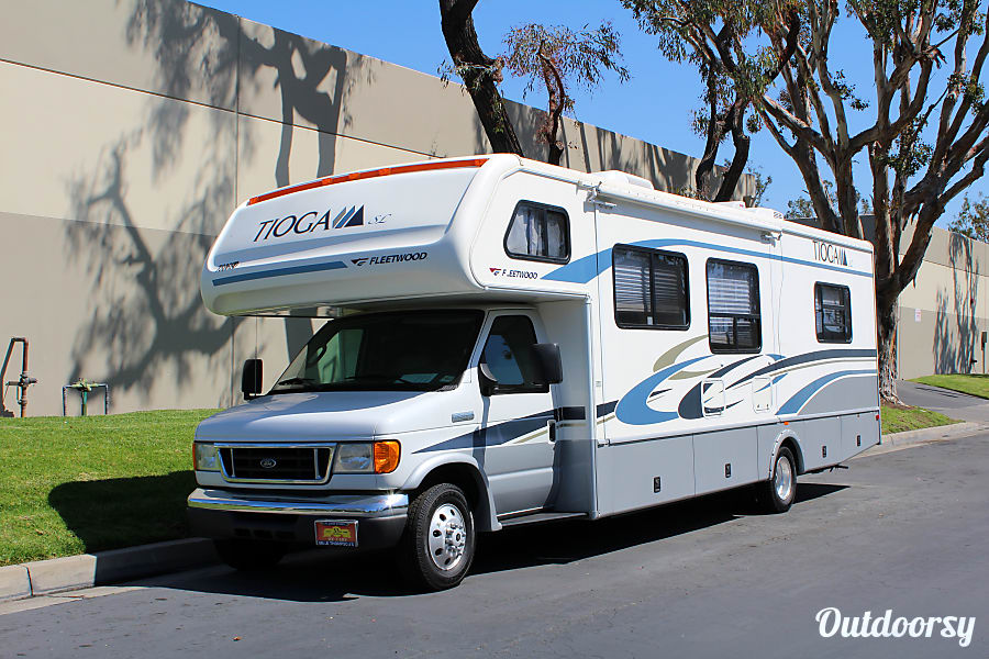 2006 Fleetwood Tioga Motor Home Class C Rental In Trabuco