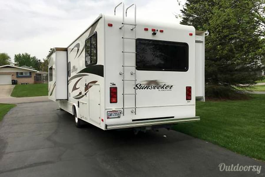 exterior 2012 Forest River Sunseeker Columbus, OH