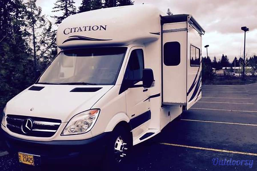 2013 Thor Motor Coach Chateau Citation Portland, OR