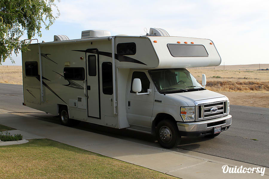 exterior 2008 Coachmen Freelander Bakersfield, CA