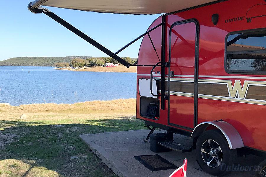 2017 Winnebago Winnie Drop--Big Red Huffman, TX