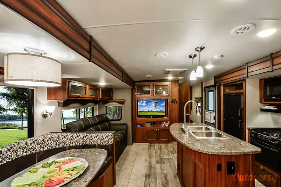 Interior NEW 2019 Heartland Mallard 37u0027 For All Your Camping Needs!