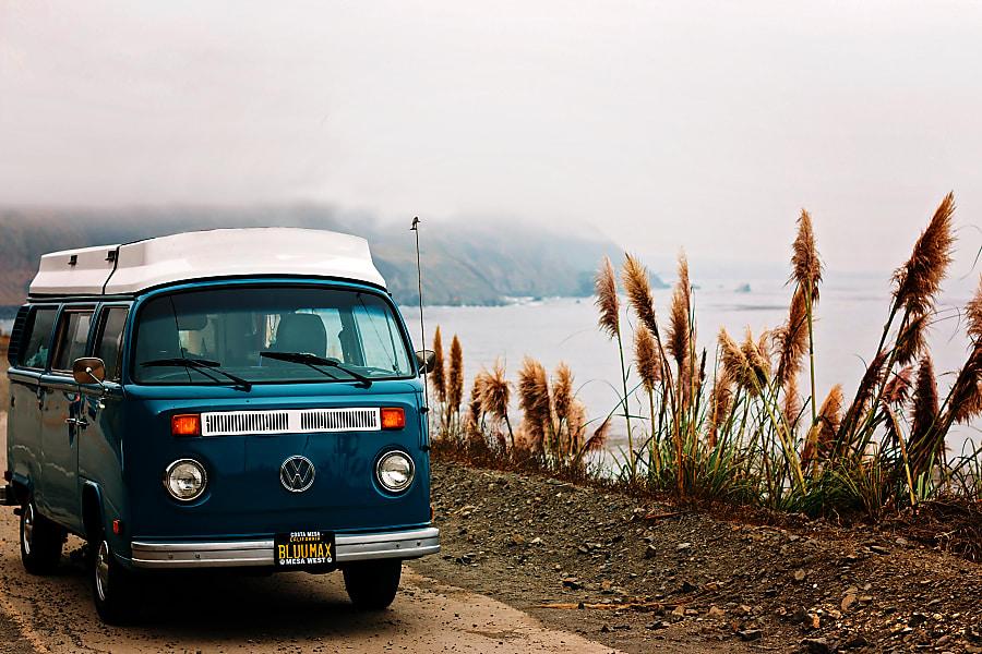 'Blu Max' VW Bay Window: Riviera Pop-Top / Westfalia Interior Costa Mesa, CA