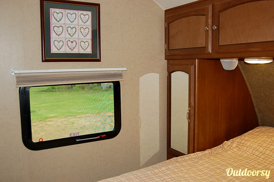 interior 2015 Coachmen Freedom Express Raton, NM