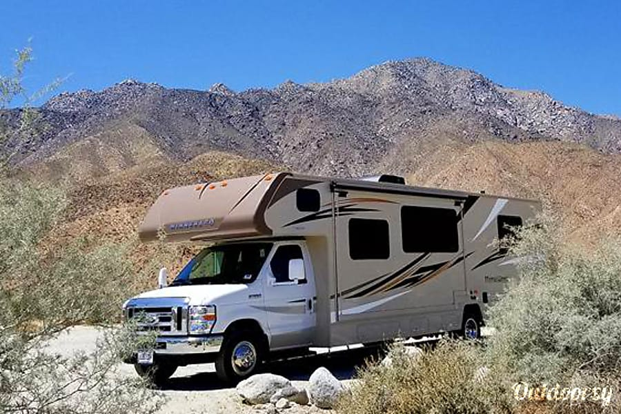 exterior 2017 Winnebago Minnie Winnie Model 31K San Diego, CA