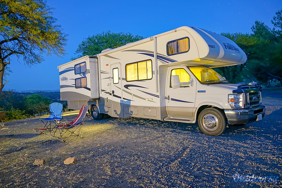 exterior 2015 Forest River Forester 31' Buena Park, CA