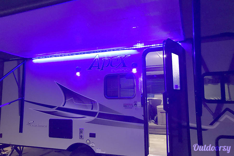 2017 Coachmen Apex Sterling Heights, MI