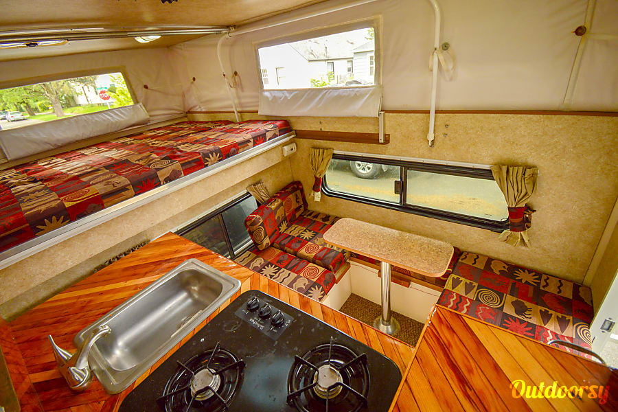 Caballo Blanco: Toyota Tundra 4x4 + Phoenix Pop-up Camper Portland, OR