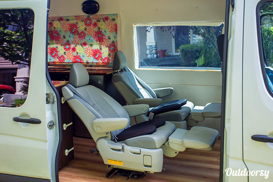 interior Seattle Mercedes Benz Sprinter Luxury Limo/RV Seats 8 Sleeps 8 Redmond, WA