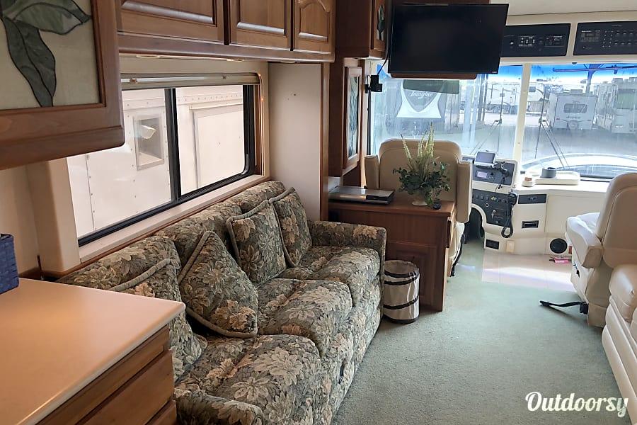 interior 2001 Country Coach Magna Corpus Christi, TX