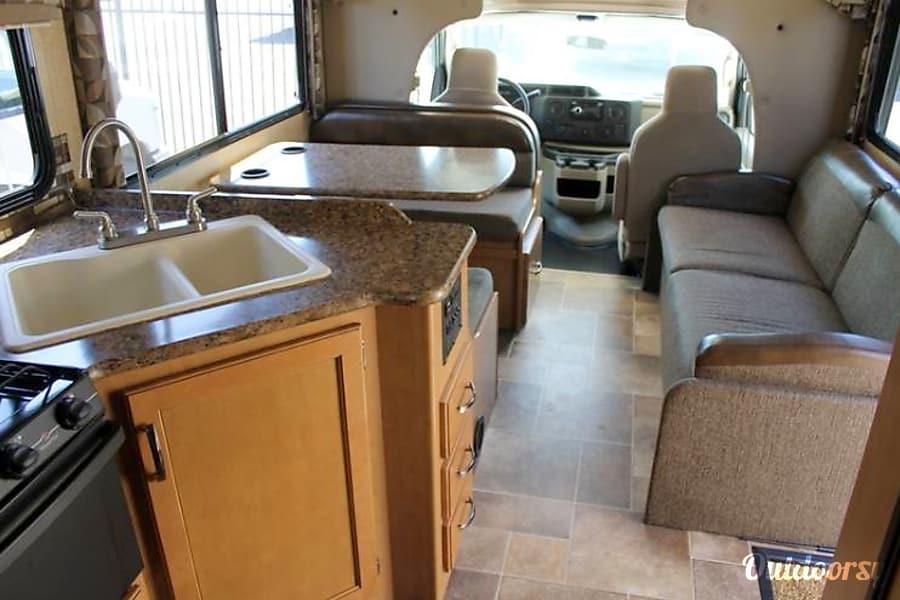 interior 2017 Thor Motor Coach Chateau Chula Vista, CA