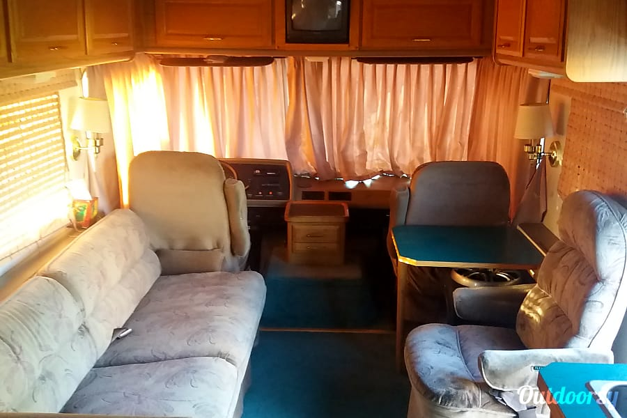 1993 Fleetwood Bounder Motor Home Class A Rental In Yakima