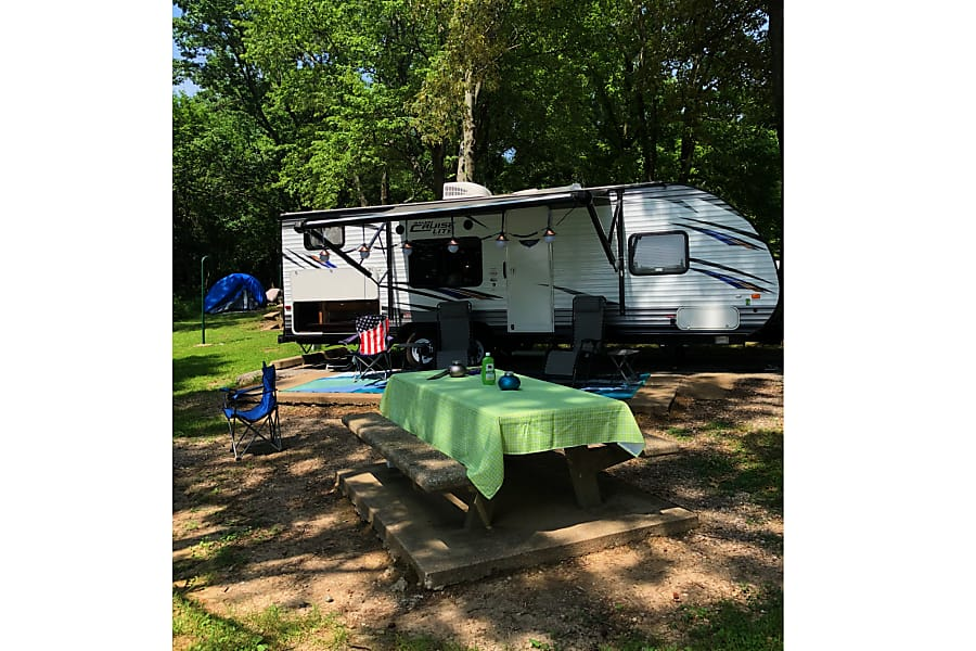 exterior 2017 Forest River Salem Cruise Lite Georgetown, TX