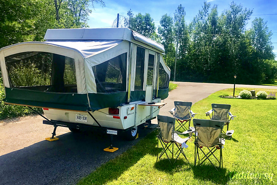 exterior 2004 Fleetwood Tent Trailer Almonte, ON