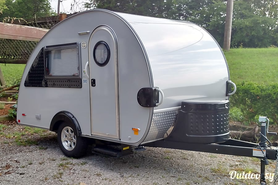 2016 Little Guy T@B Shelbyville, KY Front View With Propane Tank, Dumping