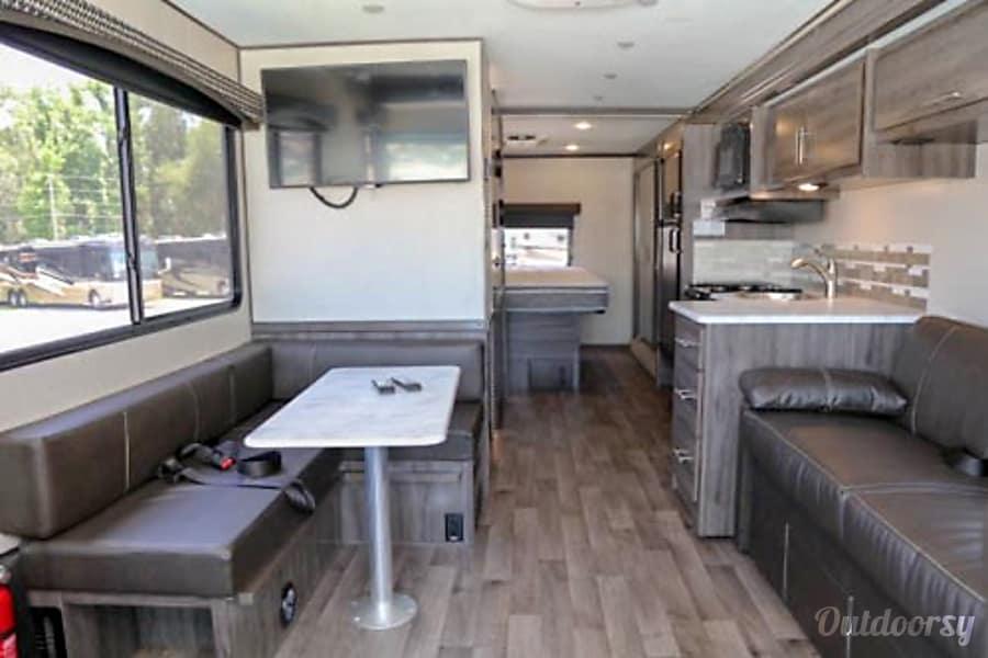 interior 2018 Fleetwood Axon 25S Newport Beach, CA