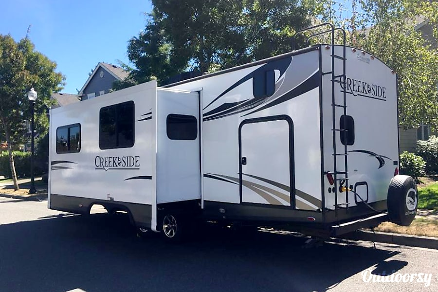 exterior All Seasons !!!!  2017 Outdoors RV Creek Side 27BHS Tigard, OR